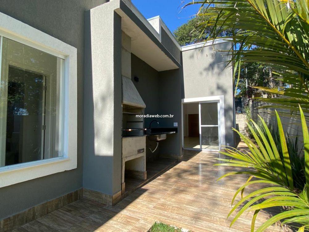 Casa em Condomínio Jardim Lavorato 3 dormitorios 4 banheiros 4 vagas na garagem